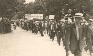 Manifestation contre le fascisme durant les années trente © IHS CGT Métaux