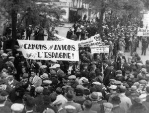 Manifestation contre la non-intervention en Espagne à Paris (mai 1937) © IHS CGT Métaux