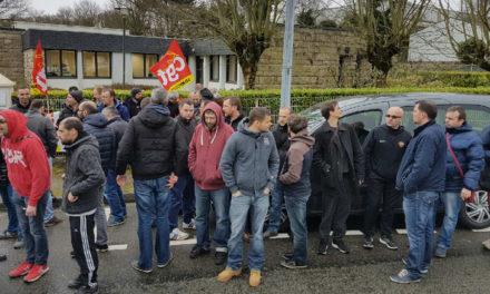 BRETAGNE | Manifestation devant l'UIMM