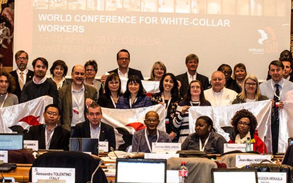Une conférence mondiale pour les cols blancs