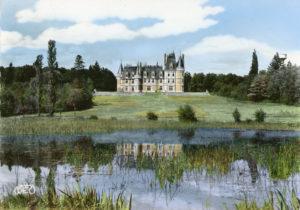 Le château de Vouzeron, dans le Cher (c) IHS CGT Métaux