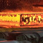 Répondre aux besoins d'acier ou externaliser et satisfaire les actionnaires ?
