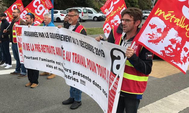Mobilisation des salariés brestois pour défendre L'Acaata (Allocation anticipée d'activité des travailleurs de l'amiante)